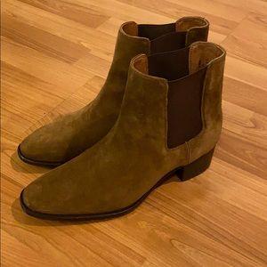 Frye Dara Chelsea boot size 9